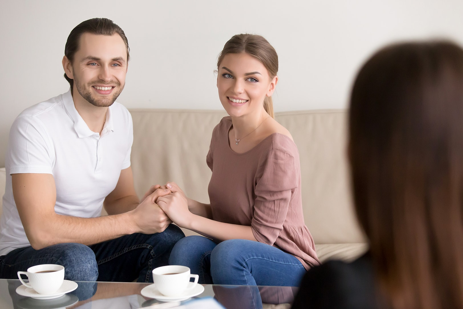 Psychologist from Mindsight Clinic in counselling for relationship with the couple conducting relationship counselling