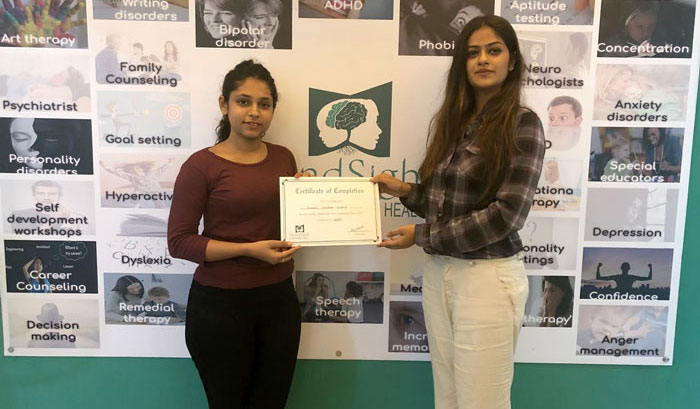 Jaini Savla CEO and Senior Psychologist at MindSight providing Complition Certificate to a student after she completes her Counselling Course at MindSight