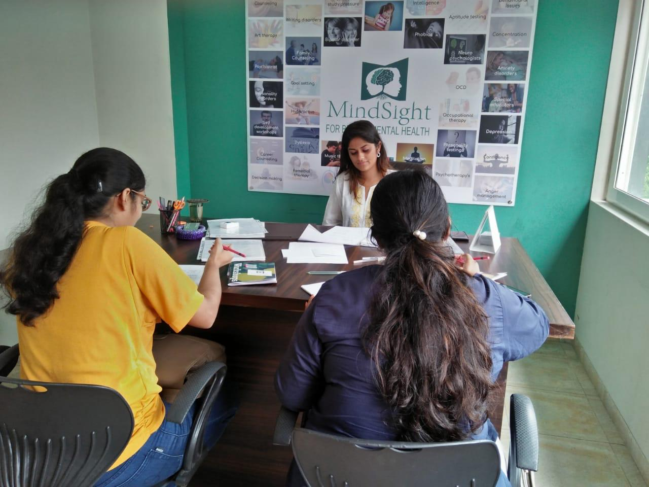 Workshop on Magnet Therapy being supervised by MindSight psychpologists